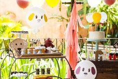 Aniversário de 2 anos do Caê | Macetes de Mãe Pet Shop, Table Decorations, Furniture, Home Decor, 2 Year Anniversary, Party, Diy Dog, Little Puppies, Falling Down