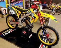 Kick a** two strokes! - Hall of Fame - Motocross Forums / Message Boards - Vital MX Yamaha Motocross, Motorcross Bike, Suzuki Dirt Bikes, Kawasaki Dirt Bikes, Cool Dirt Bikes, Mx Bikes, Suzuki 125, Motos Ktm, Motocross Maschinen