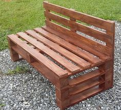 Wooden Pallet Furniture Here we have another mind-blowing pallet wood idea on the list of creative pallet furniture designs. This admirable pallet wood bench is all formed with the adjustment of pallet stacks in various patterns. Pallet Furniture Designs, Pallet Garden Furniture, Wooden Pallet Projects, Pallet Designs, Pallet Crafts, Wooden Pallets, Pallet Ideas, Wood Furniture, Pallet Wood