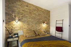 Ściana wykonana za pomocą cegły z ORŁOWA Bed, Furniture, Home Decor, Houses, Decoration Home, Stream Bed, Room Decor, Home Furnishings, Beds