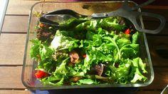 Garden salad with chickpeas