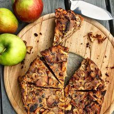 Jednoduchý jablkový koláč s čokoládou a lieskovcami: zdravá chutná desiata - Fitshaker Cakes, Healthy, Sweet, Fitness, Recipes, Food, Candy, Cake Makers, Kuchen