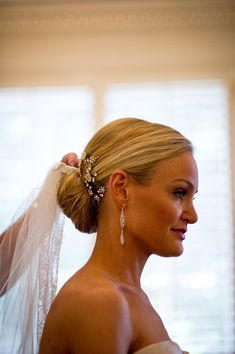 Texas Country Club Wedding from Chris Bailey Photography Jeweled Comb Bridal Updo Hair Ideas Bridal Updo With Veil, Wedding Hairstyles With Veil, Bridal Hair And Makeup, Classic Wedding Hair, Wedding Bun, Wedding Ideas, Vintage Hairstyles, Trendy Hairstyles, Beautiful Hairstyles