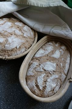 Roggenbauernbrot mit Sauerteig - ohne Hefe #bäckerrezept #hefefrei #slowfood #lassdirzeit