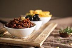 Tomaten-Oliven-Pesto - http://ihana.eu/tomaten-oliven-pesto/