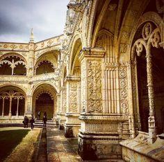 Inside Jerónimos Monastery. Praça do Império. #architecture #history // #Belém #Lisboa #Portugal