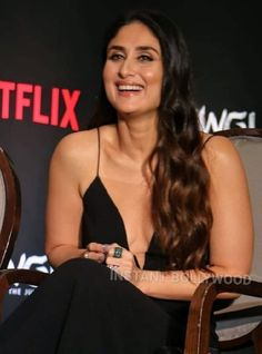 Bollywood Actress Hot Photos, Indian Bollywood Actress, Bollywood Girls, Bollywood Stars, Bollywood Fashion, Kareena Kapoor Saree, Kareena Kapoor Images, Most Beautiful Indian Actress, Beautiful Actresses