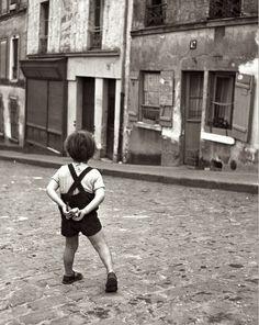Dirk de Herder -Paris, 1946 | Black and White  #people #photography #vintage