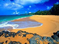 20 Most Beautiful Places to Visit in the World - Secret Beach – Kauai – Hawaii, USA