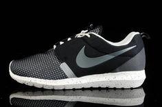 differently 3be69 74605 Nike Roshe Run NM BR Sort Grå