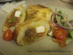 Papas Rellenas Bolivia Food, Chimichurri Chicken, Latin Food, Looks Yummy, Spanish Food, Relleno, Main Dishes, Dinner Recipes, Ethnic Recipes