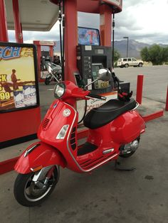 Italian Scooter, Scooters, Motorcycle, Vehicles, Modern, Vespas, Trendy Tree, Motor Scooters, Motorcycles