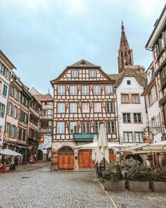 Clean Edit - 5 Mobile Lightroom Presets - La Dolce Vita Strasbourg, Free Travel, Warm Colors, Lightroom Presets, Minimalism, Photo Editing, Beautiful Pictures, Mansions, House Styles