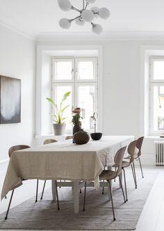 Bright home with warm details - via Coco Lapine Design blog