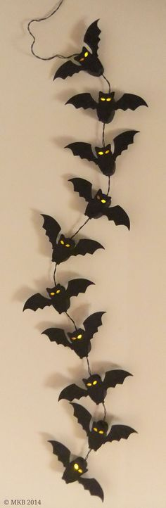 FREE DIY 3D covers for string lights free svg Fledermaus-Lichterkette (Decoracion Halloween)