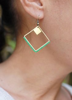 Items similar to square brass earrings and woven Miyuki beads on Etsy - Trend 2019 Jewelery Bead Embroidery Jewelry, Beaded Jewelry Patterns, Diy Schmuck, Schmuck Design, Diy Leather Bracelet, Seed Bead Jewelry, Bijoux Diy, Bead Earrings, Necklace Designs