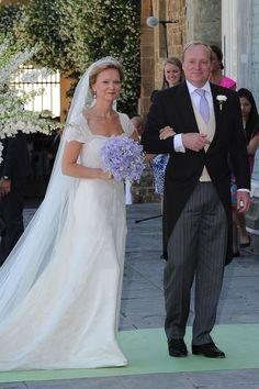 Prinzessin Carolina von Bourbon de Parma in einem Hochzeitskleid von Addy van den Krommenacker