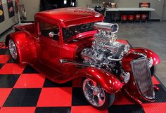 Hottest Muscle Machines:Classic Cars, Muscle Cars and Trucks: 1934 Ford Coupe Hot Rod Hot Rod Trucks, Cool Trucks, Cool Cars, Hot Rod Cars, Chevy Trucks, Pickup Trucks, Classic Trucks, Classic Cars, Chevy Classic