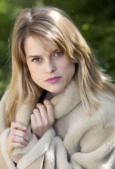ALICE EVE YOUNG - See best of PHOTOS of the actress http://www.wildsound.ca/aliceeve.html