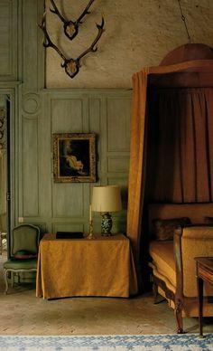 The Duchess's bedroom at Chateaux de La Celle des Bordes. (World of Interiors, Apr 2003). http://genusloci.blogspot.co.uk/2012/01/warmth-of-terra-cotta.html