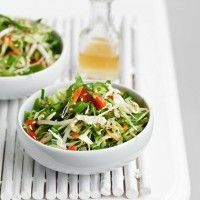 Substitute soy sauce with Tamari GF sauce to make this Clean Eating Salads, Healthy Eating, Asian Coleslaw, Asian Recipes, Ethnic Recipes, Chinese Cabbage, Summer Dishes, Soup And Salad, Quick Easy Meals