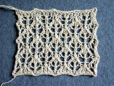 adorable knitted lace; chart;    punto traforato;