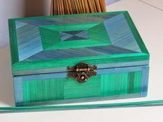 Lapaillendeco: Boîte à bijoux ou boîte à couture en marqueterie de paille