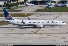 N37462 United Airlines Boeing 737-900ER