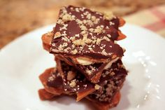 Homemade Chocolate Almond Toffee // Lick My Spoon