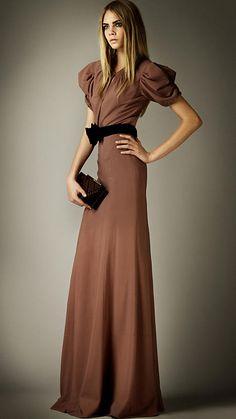 Burberry - CUTAWAY DETAIL FLOOR-LENGTH DRESS