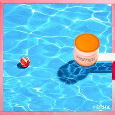 아쉬운 여름의 끝자락. 수분 #수토커크림 과 함께 물 속으로 풍덩~ Let's Go Swimming With Etude! #슈퍼콜라겐워터 #젤리피부 #수분수토커크림 #탱글촉촉 #수분가득콜라겐크림 #moisturize #etude #etudehouse #에뛰드 #에뛰드하우스 #에뛰드걸 #에뛰드그램