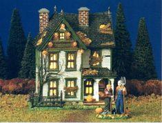 Department 56 Halloween Village Farms - Spooky Farmhouse