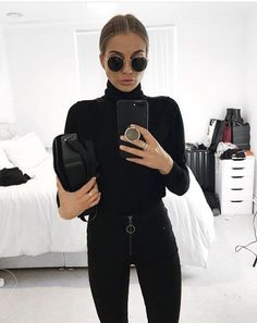 all black outfit casual - Outfits ta Legging Outfits, Athleisure Fashion, Athleisure Outfits, Black Women Fashion, Look Fashion, Womens Fashion, Fashion Fall, Feminine Fashion, Classy Fashion