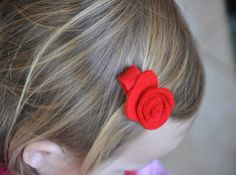 easy diy felt baby rosette hair clips - one of my post-thanksgiving weekend projects!