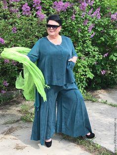Купить или заказать Костюм тройка в интернет-магазине на Ярмарке Мастеров. Зеленый костюм-тройка. В комплекте юбка-брюки, майка, жакет. Состав ткани: мокрый шелк, шифон. Размеры 54-64. Цена 12500 руб.