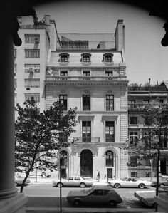 7-9 East 71st Street. Herbert N. Straus house designed by Horace Trumbauer (1930).This building replaced an earlier home on the site, the Edward H. Van Ingen house (1888) designed by R. H. Robertson. The 1930 Straus building was sold in 1943, and became the St. Clare hospital (1944) and Birch Wathen School (1962). It is now a private residence.