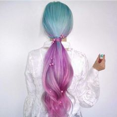 Purple hair color is the most popular of bright colors ❤️ Our tips and easy step-by-step instructions help you to dye hair in violet ❤️ See more at LadyLife ❤️