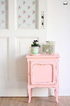 vintage kommoden nachtkasten in rosa ein designerstuck von bleuetrose bei dawanda