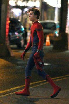 Tom Holland as Spider-Man/Peter Parker Marvel Dc, Marvel Actors, Tom Holand, Baby Toms, Tom Holland Peter Parker, Willa Holland, Kevin Costner, Special Pictures, Men's Toms
