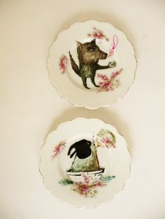 Wolf Telling Stories plate