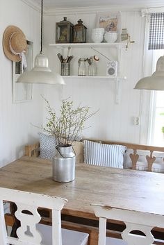40 Beautiful European Country Kitchens {Decor Inspiration} – Hello Lovely Blue and white Swedish farmhouse kitchen with beautiful European country decor and barn style pendants. Country Style Homes, Style At Home, Cottage Style, Shabby Cottage, Küchen Design, House Design, Design Ideas, Design Elements, Swedish Farmhouse