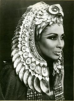 Studio portrait of Barbara Conrad as Amneris in Aida. Photo credit: Marc Raboy… I actually was in Aida last year, it holds a special place in my heart now. Its plot is centered in Ancient Egypt. So it was only fitting to include it on this board. Egyptian Fashion, Egyptian Beauty, Egyptian Goddess, Egyptian Art, Egyptian Costume, Queen, African American History, Studio Portraits, Headgear