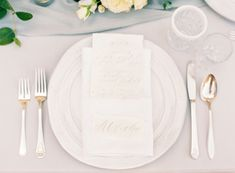Silver and Blue Wedding Place Setting | photography by http://www.jessicalyonsphotography.com/