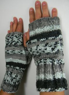 2 needle fingerless gloves  ... free knit pattern