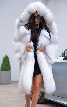 Long Fur Coat, White Fur Coat, Faux Fur Hooded Coat, Faux Fur Coats, Fur Fashion, Fashion Outfits, Style Fashion, Fur Coat Outfit, Fox Fur Jacket