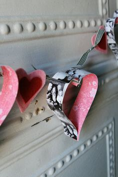 15 Cool DIY Valentine's Day Garlands | Shelterness