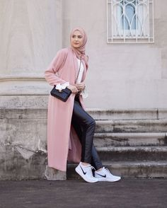 Pink abaya and hijab is best choice for this summer. its latest 2019 abaya and hijab fashion for your stunning appearance. Abaya Fashion, Fashion Mode, Muslim Fashion, Modest Fashion, Fashion Outfits, Hijab Casual, Hijab Chic, Abaya Mode, Mode Hijab
