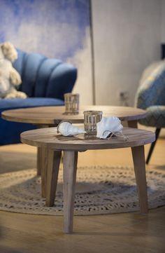 Décoratrice d'interieur Paris - Uzes - annabellefesquet-decoratrice Hotel Boheme, Decoration, Table, Saint, Furniture, Paris, Home Decor, Rough Wood, Bubbles