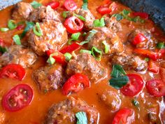 Paholaisen lihapullat: Tinskun keittiössä