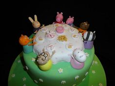 Peppa Pig Party #2 by redpinnycakes, via Flickr
